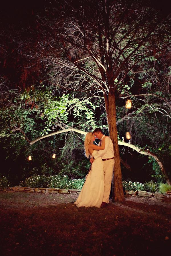 Rustic Vintage Tennessee Wedding via TheELD.com