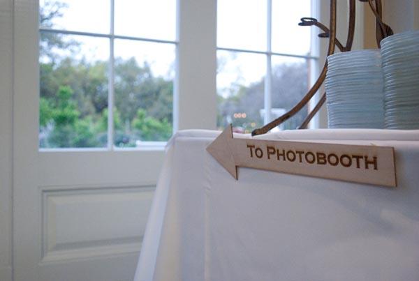 A Kitschy New Orleans Wedding via TheELD.com