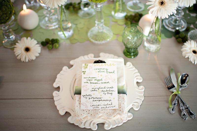 Modern Circle Inspired Green & White Wedding Inspiration