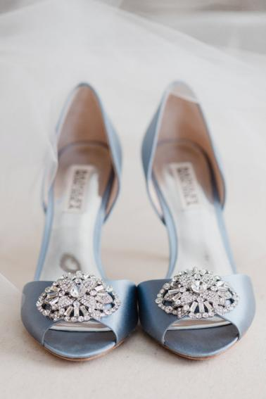 An Elegant Dusty Blue North Carolina Wedding via TheELD.com