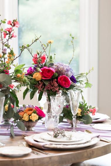 Organic & Colorful Wedding Ideas Inspired by A MidSummer Nights Dream via TheELD.com