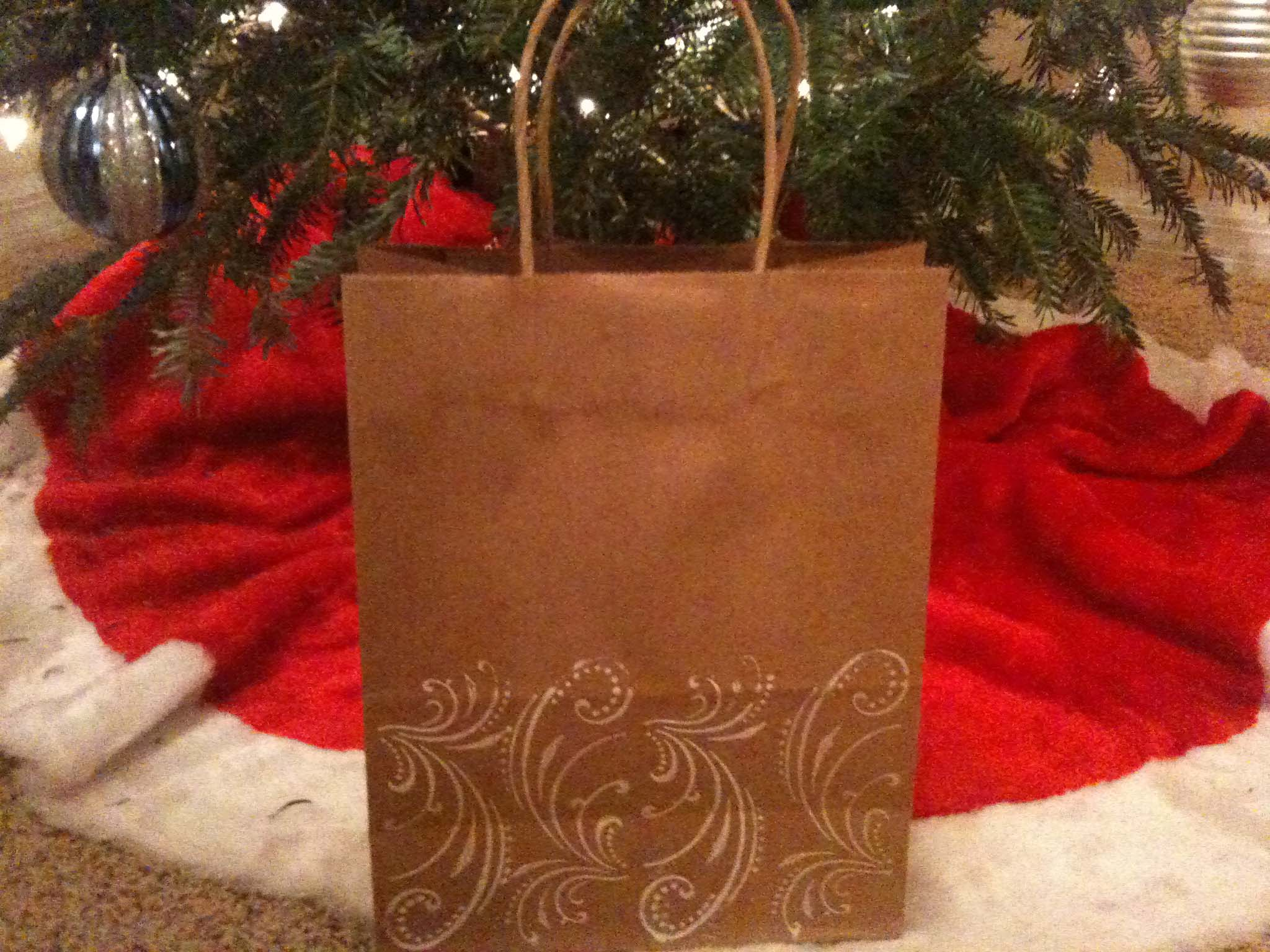 Pretty and Simple DIY Gift Bags via TheELD.com