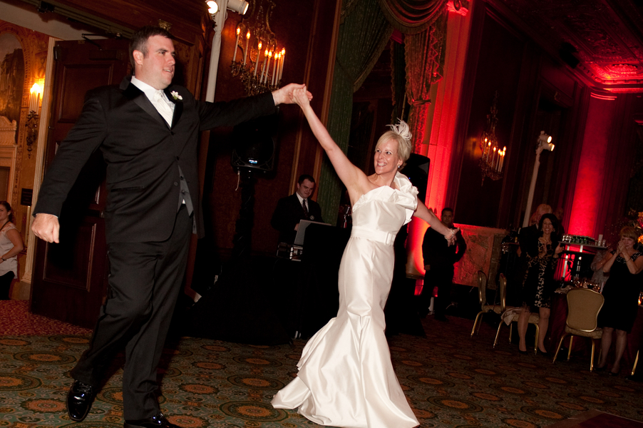Elegant Red Chicago Wedding via TheELD.com