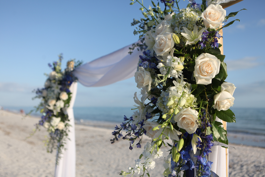 Beautiful Blue Beach Wedding via TheELD.com