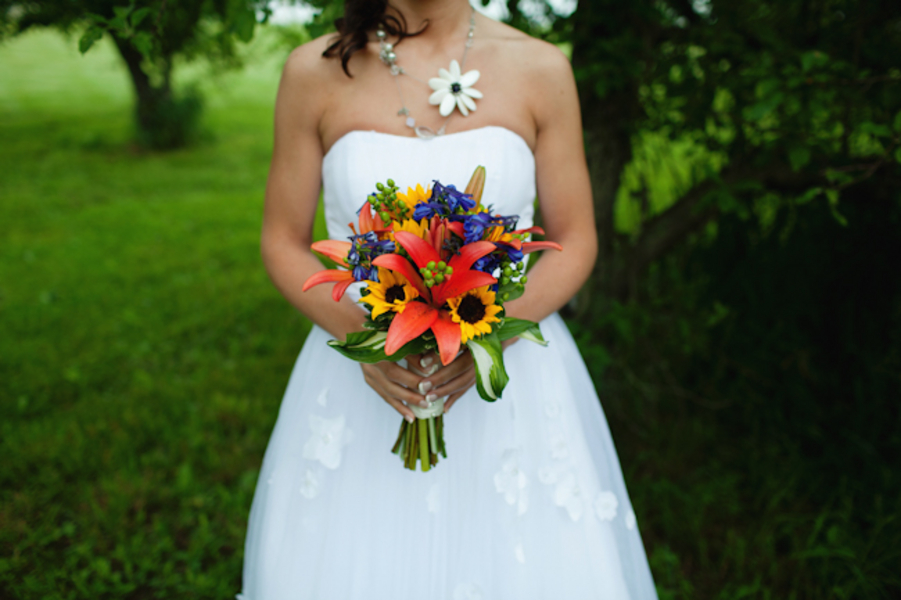 Unique Michigan Orchard Wedding {Part 1} via TheELD.com